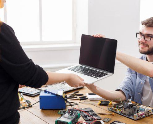 חנות לתיקון מחשבים